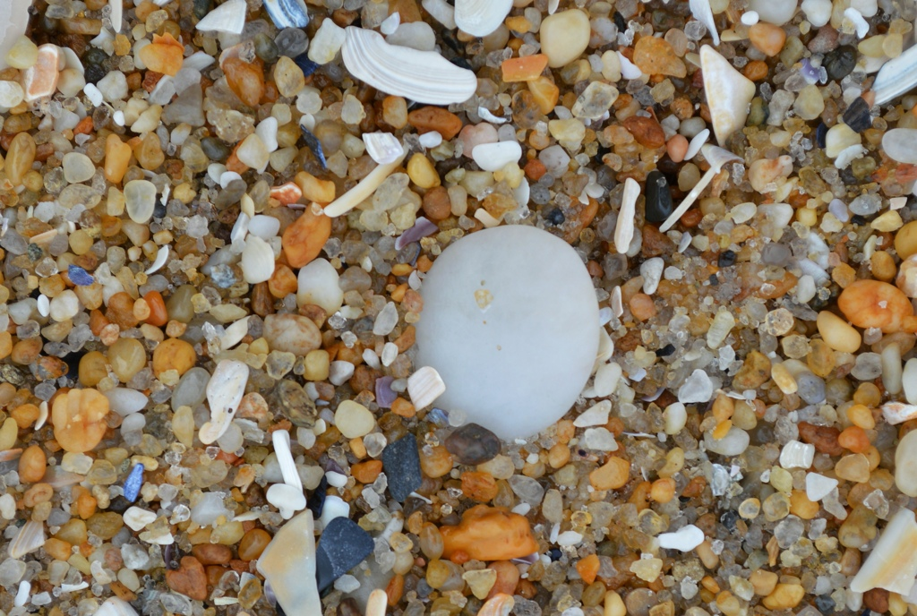 Sand-of-Many-Colors and White Pebble